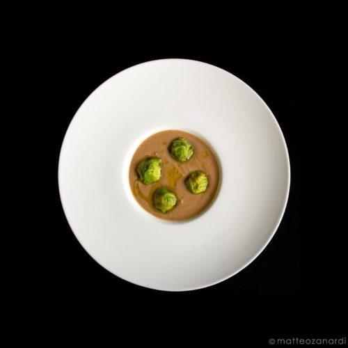 anatra-in-verza-con-crema-di-castagne-e-acciughe-in-olio-di-alloro