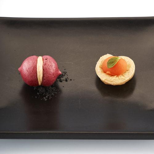piccoli-assaggi-di-inizio-cena-panino-aereo-con-barbabietola-e-foie-gras-e-pasta-al-pomodoro